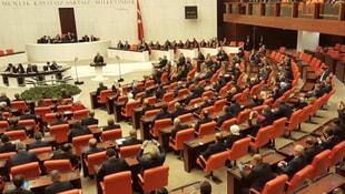 Meclis yeni döneme yasakla başlıyor!