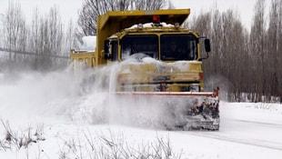 Kar hayatı felç etti! 75 köye ulaşılamıyor