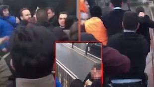 Metrobüs tacizcisi, öfkeli grubun elinden zor kurtuldu