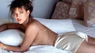50 yaşındaki Fransız oyuncu Sophie Marceau soyundu