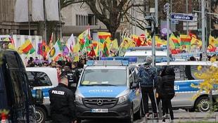 Almanya'dan çifte standart! PKK eylem yaptı