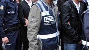 İzmir merkezli 28 ilde FETÖ operasyonu: 65 gözaltı