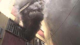 Karaköy'de yangın paniği!