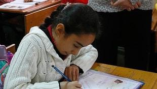 Bakan Yılmaz açıkladı! Okullarda el yazısı kaldırılıyor