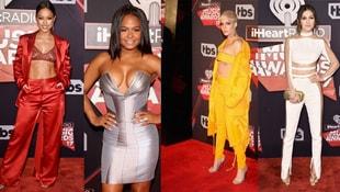 2017 iHeart Radyo Müzik Ödülleri gecesi şıklık yarışı
