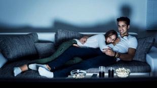 Film izlerken yemek yemenin zararları