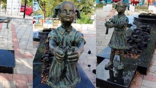 Atatürke çiçek veren kız heykeline saldırı!