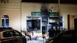 Almanyada camiye alçak saldırı!