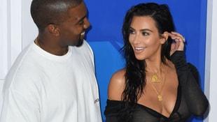 Kim Kardashian yine büyüledi