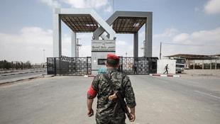 Mısır yönetimi Refah Sınır Kapısını geçişlere kapattı