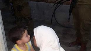 İsrail, Filistinli kadın yazarı kaba bir şekilde sorguluyor