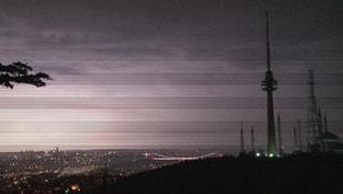 Şimşekler İstanbulda geceyi aydınlattı