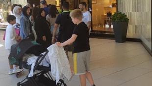 Turistler AVMlerdeki lüks mağazalara akın etti