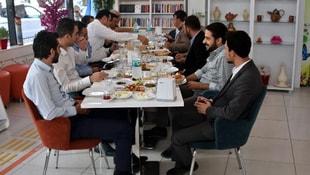 Ak Parti Van teşkilatından Engelsiz Kafeye ziyaret