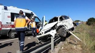 Takla atan otomobildeki anne ve bebeği öldü, 4 kişi yaralandı