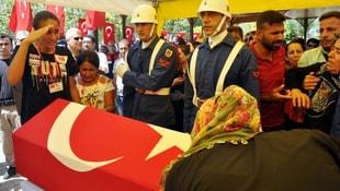 Şehit Astsubayı, kızı asker selamıyla uğurladı