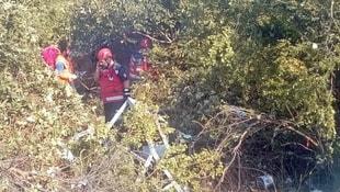 Otomobil, maket polis aracına çarptı: 3 yaralı
