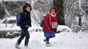 Vanda kar yağışı nedeniyle okullar tatil edildi
