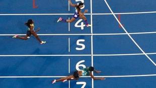 Shaunae Miller 400 metreyi son anda uçarak kazandı