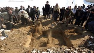 ABD savaş uçakları Afganistan'da sivilleri vurdu 18 ölü