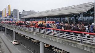 Almanya'da havalimanında bilinmeyen bir madde sebebiyle tahliye edildi
