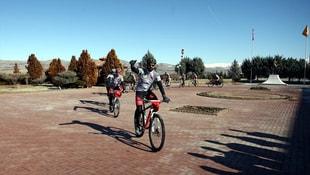 Balkanlar'ı bisikletleriyle gezecekler