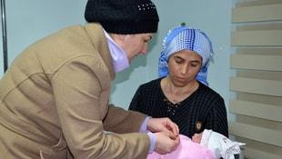 Doğuma yetiştiren belediye başkanının eşinin ismini bebeğine verdi