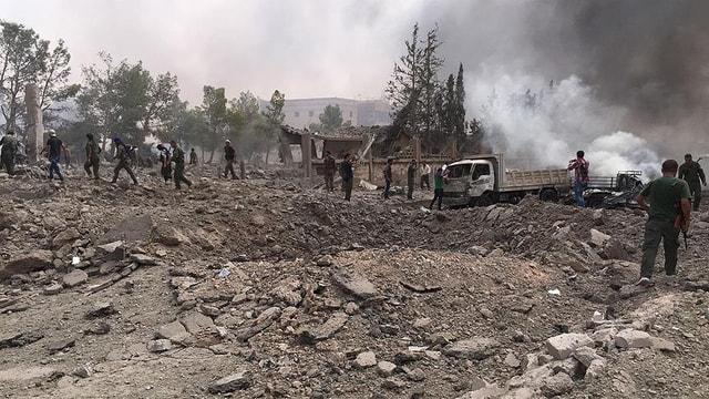 El Bab'da DEAŞ bombalı araçla sivilleri hedef aldı: 60 ölü