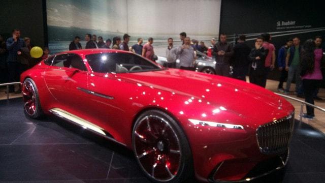 Mercedesten dünyada bir ilk! Full elektrikli otomobil