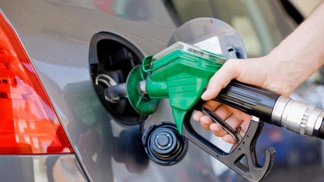 Benzin Fiyatlarına 9 Kuruş İndirim Geliyor
