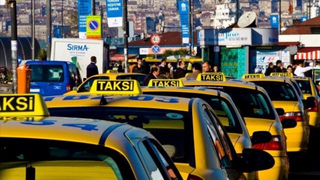 İstanbulda taksi ve minibüslere dev operasyon!