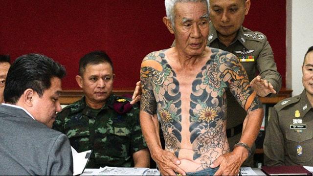 Emekli Yakuza liderini bakın ne yakalattı