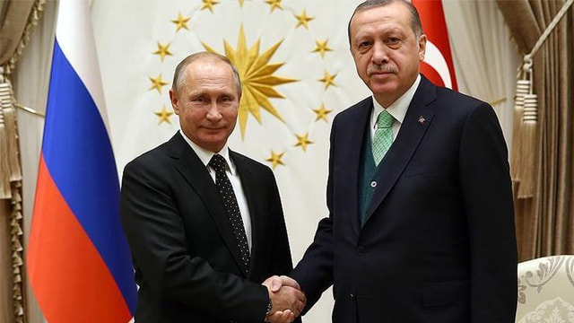 Putin Erdoğanı tebrik etti