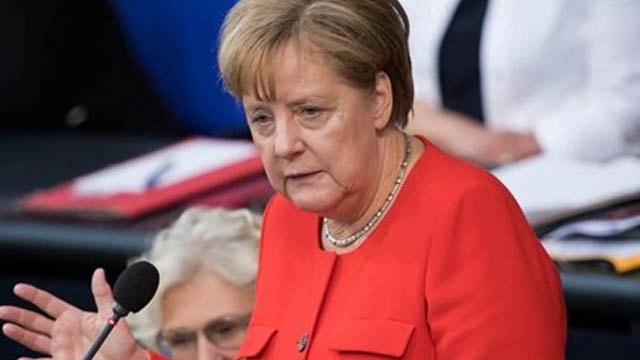 Merkelden flaş Türkiye açıklaması!