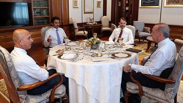 Katar Emiri Erdoğanla bir araya geldi