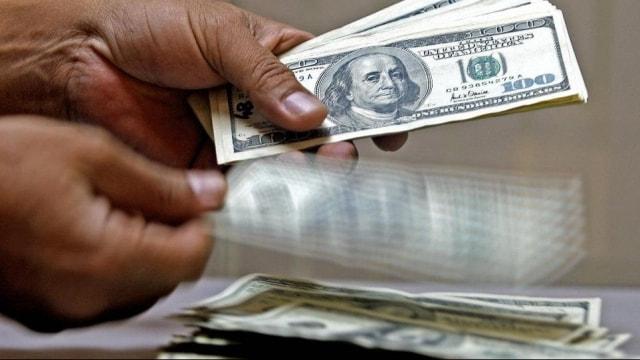 AK Partiden belediyelere dolar talimatı