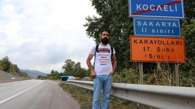 Kılıçdaroğlunun istifa etmesi için yürüyor