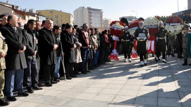 Şehit er Karaca'yı Erzurum'da 25 bin kişi uğurladı