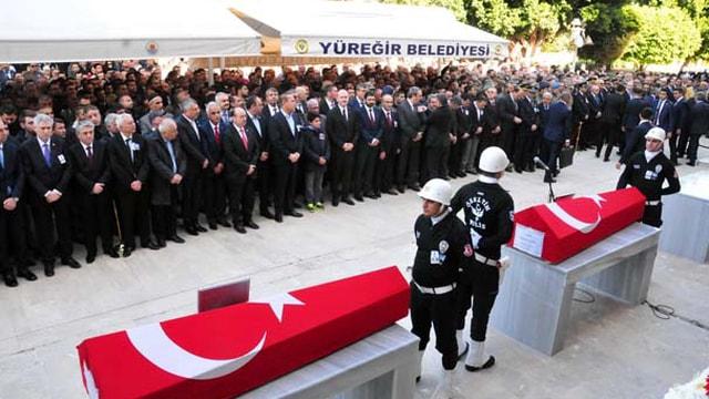 Adanadaki patlamada hayatını kaybedenler gözyaşlarıyla uğurlandı