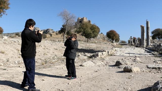 Down sendromlu çocuklar Osmaniye'deki antik kenti fotoğrafladı