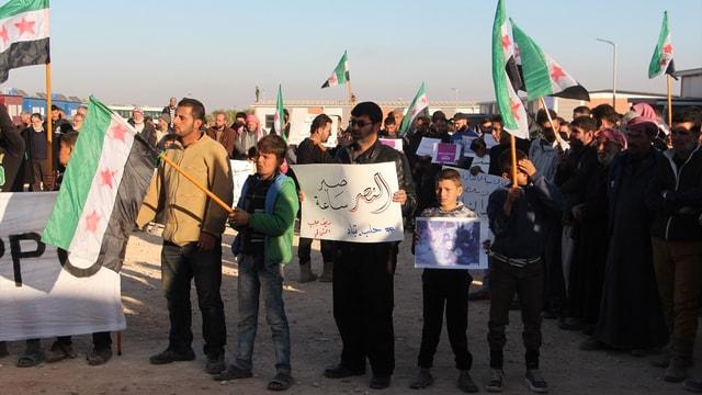 Halep'e destek gösterisi