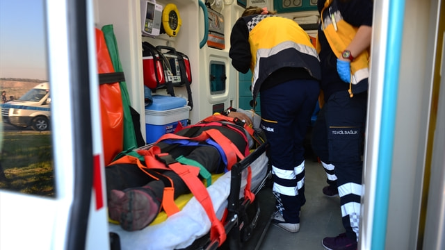 Şanlıurfa'da okul servisi devrildi: 20 yaralı