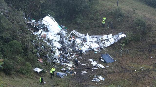 Kolombiya'da düşen uçakta 76 kişi hayatını kaybetti