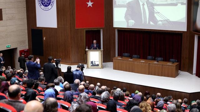 Türkiye'de Anayasalar ve Siyaset konferansı