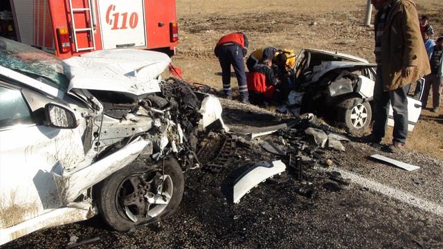 Yozgat'ta trafik kazası: 2 ölü, 1 yaralı
