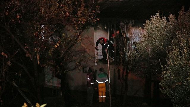 Aladağ'daki özel yurdun bulunduğu mahallede ev yangını