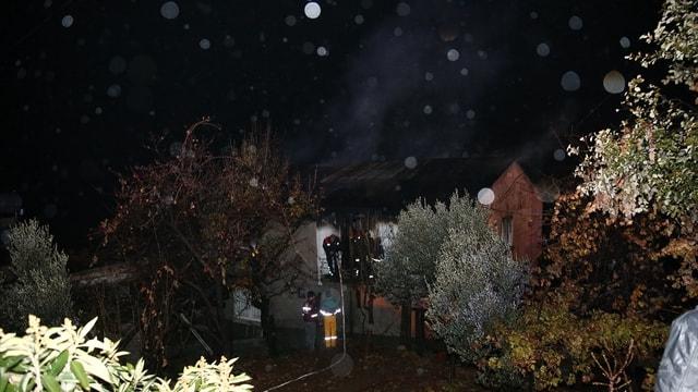 GÜNCELLEME - Özel yurdun yandığı mahallede ev yangını