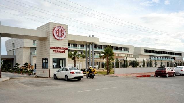 Antalyaspor'un tesisindeki haciz uygulaması