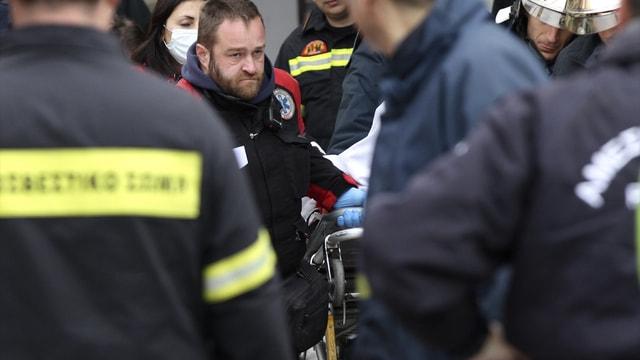 Atina'da kafede patlama: 1 ölü, 7 yaralı