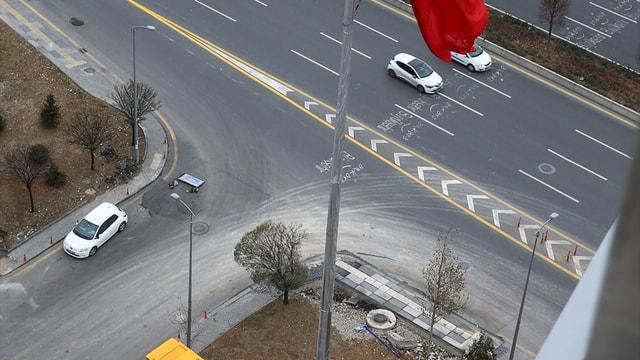 CHP Genel Merkezi'ne dev Türk bayrağı